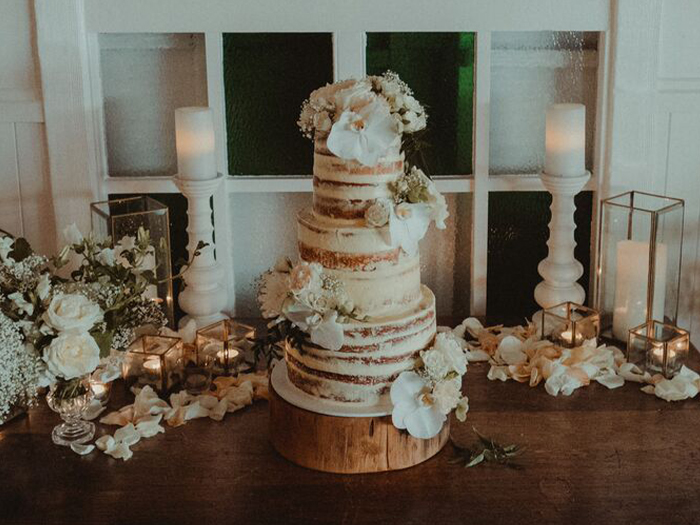 Let-Them-Eat-Cake_Savvy-Wed-Wedding-Cake-Supplier